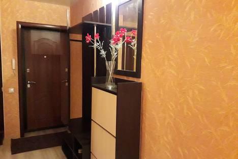 Сдается 3-комнатная квартира посуточно в Кургане, улица Савельева, 42.