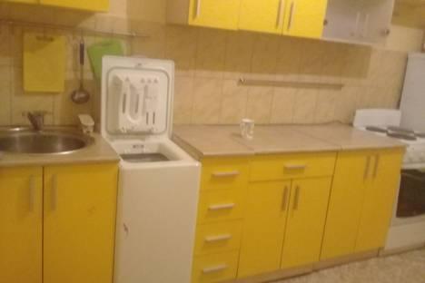 Сдается 1-комнатная квартира посуточно в Кызыле, улица Дружбы, 1/2.