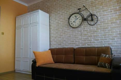 Сдается 1-комнатная квартира посуточно в Ялте, Пироговская улица, 11.