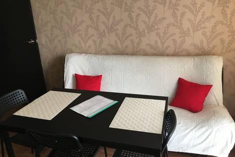 Сдается 2-комнатная квартира посуточно в Иркутске, Советская улица, 35.