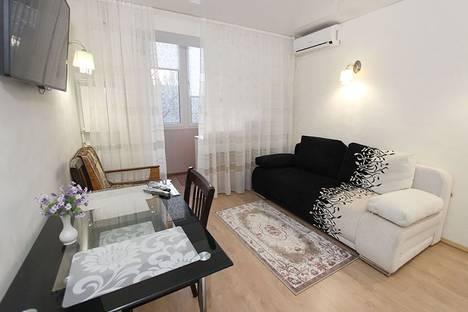 Сдается 1-комнатная квартира посуточно в Феодосии, переулок Танкистов, 24.