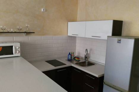 Сдается 2-комнатная квартира посуточно в Чебоксарах, улица Ярмарочная, 10.