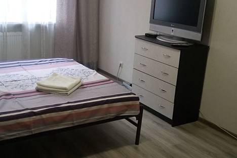 Сдается 1-комнатная квартира посуточно, Витаминкомбинат, Целиноградская улица4/2.