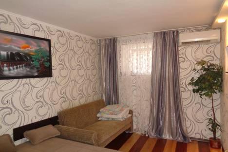 Сдается 1-комнатная квартира посуточно в Ялте, улица Дражинского, 21.