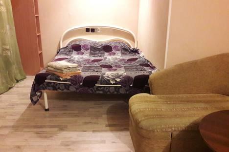 Сдается 1-комнатная квартира посуточно в Норильске, улица Талнахская, 27.