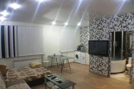 Сдается 1-комнатная квартира посуточно в Братске, улица Погодаева, 18.