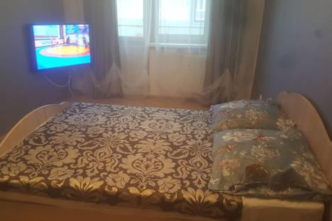 Сдается 1-комнатная квартира посуточно в Великом Новгороде, Завокзальная улица, 12.