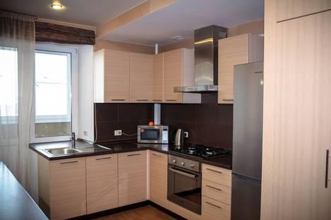 Сдается 2-комнатная квартира посуточно в Туле, улица Староникитская, 90.