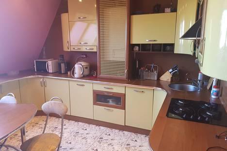 Сдается 2-комнатная квартира посуточно в Великом Новгороде, Мусы Джалиля-Духовская улица, 12.