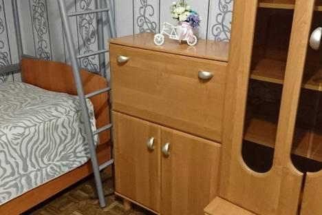 Сдается 2-комнатная квартира посуточно в Кировске, Олимпийская улица, 26.