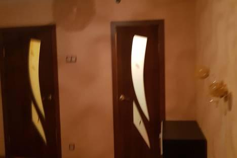Сдается 2-комнатная квартира посуточно в Кировске, ул. Ленина, д.32.