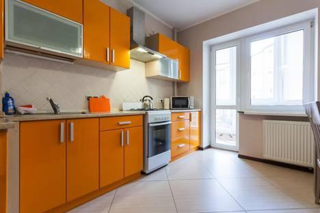 Сдается 1-комнатная квартира посуточно в Ялте, улица Володарского, 11.