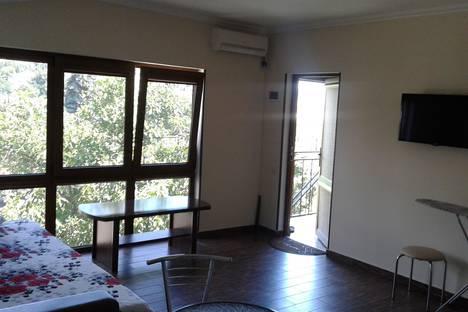 Сдается 1-комнатная квартира посуточно в Гурзуфе, Санаторная улица, 25.