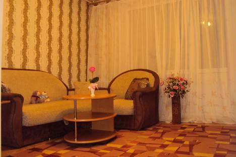 Сдается 2-комнатная квартира посуточно в Каменск-Уральском, проспект Победы, 33.