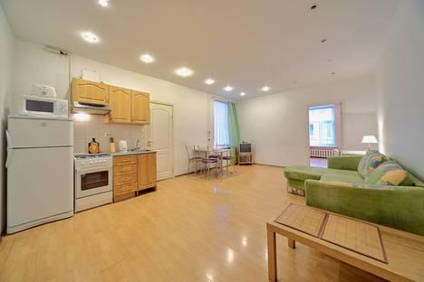 Сдается 2-комнатная квартира посуточно в Санкт-Петербурге, набережная реки Фонтанки, 11.