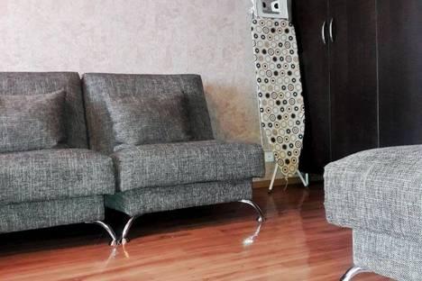 Сдается 1-комнатная квартира посуточно в Усть-Каменогорске, 72.