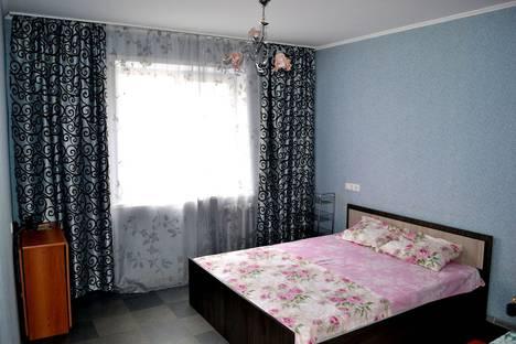 Сдается 2-комнатная квартира посуточно в Саратове, улица Тархова, 34.