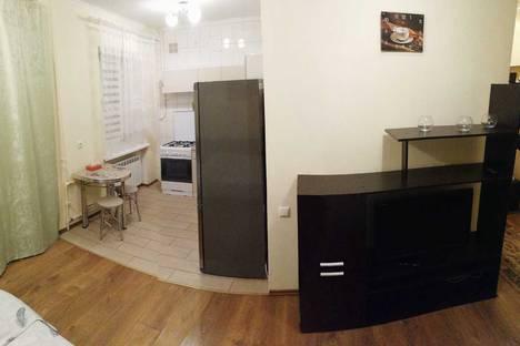 Сдается 1-комнатная квартира посуточно в Гатчине, ул. К. Маркса, 71.