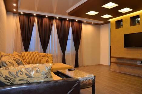 Сдается 2-комнатная квартира посуточно в Адлере, Большой Сочи, улица Просвещения, 84.