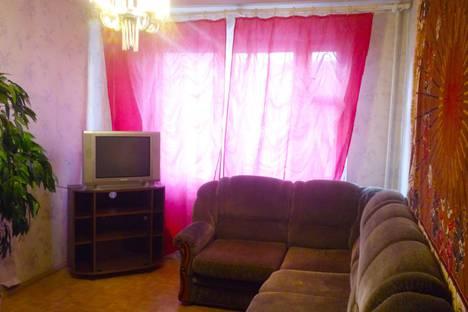 Сдается 2-комнатная квартира посуточно в Пскове, улица Рокоссовского, 42.
