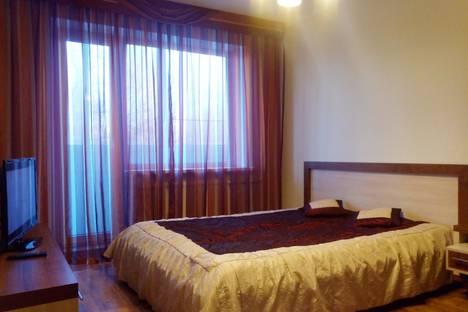Сдается 2-комнатная квартира посуточно в Пскове, улица Западная, 9.