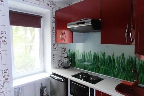 Сдается 1-комнатная квартира посуточно в Новосибирске, улица Макаренко, 11.