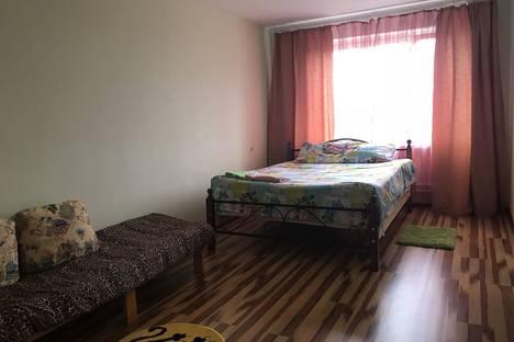Сдается 2-комнатная квартира посуточно, ул Московское шоссе 53.