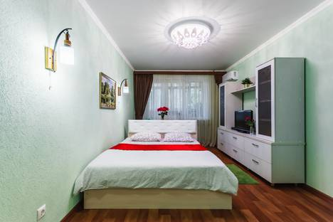 Сдается 1-комнатная квартира посуточно в Ростове-на-Дону, проспект Стачки, 15.