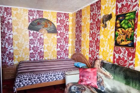 Сдается 1-комнатная квартира посуточно в Мирном, улица Ойунского, 41.