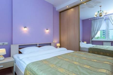 Сдается 2-комнатная квартира посуточно, улица Скрыганова, 4а.