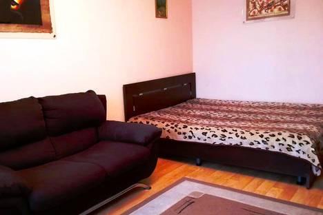 Сдается 2-комнатная квартира посуточно в Кировске, Олимпийская улица, 79.