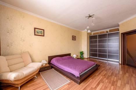 Сдается 2-комнатная квартира посуточно в Геленджике, Красногвардейская улица, 36.