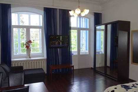 Сдается 2-комнатная квартира посуточно в Ялте, улица Гоголя, 16.