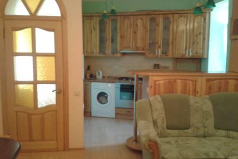 Сдается 2-комнатная квартира посуточно в Ялте, Республика Крым,улица Кирова, 66.