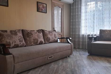 Сдается 3-комнатная квартира посуточно в Железноводске, улица Ленина, 63.