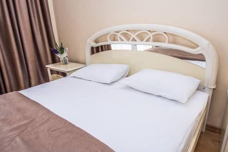 Сдается 1-комнатная квартира посуточно в Отрадном, поселок городского типа Ливадия, Виноградная улица, 22Б.