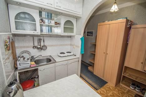 Сдается 1-комнатная квартира посуточно в Гурзуфе, улица Подвойского, 36.