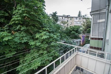 Сдается 3-комнатная квартира посуточно в Гурзуфе, улица Подвойского, 19.