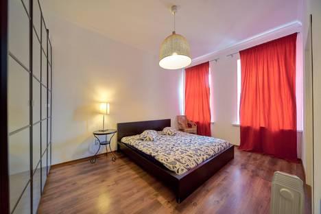 Сдается 3-комнатная квартира посуточно в Санкт-Петербурге, Невский проспект, 63.