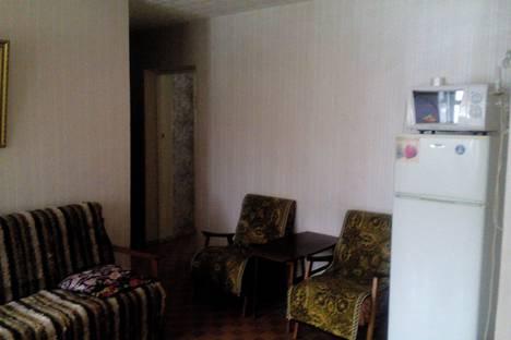 Сдается 3-комнатная квартира посуточно в Нижнекамске, проспект Строителей, 22А.