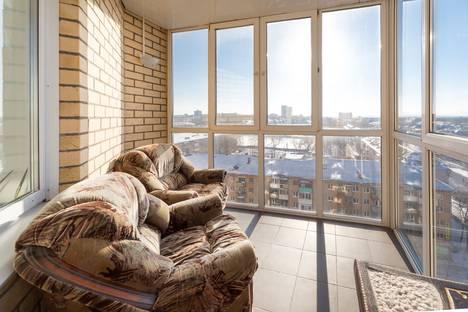 Сдается 2-комнатная квартира посуточно в Перми, улица Мира, 45.