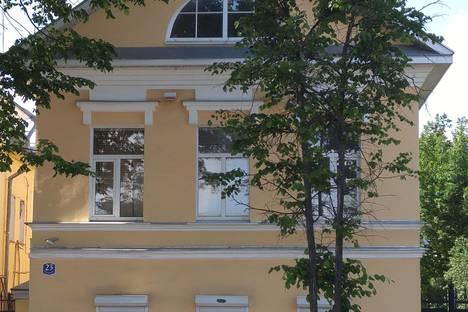 Сдается 3-комнатная квартира посуточно в Угличе, Ярославская улица, 23.