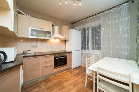 Сдается 2-комнатная квартира посуточно в Челябинске, проспект Ленина, 38.