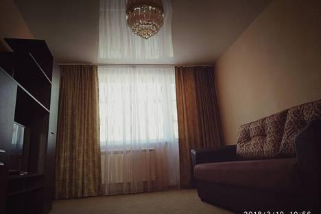 Сдается 2-комнатная квартира посуточно в Нижнем Тагиле, улица Садовая, 8.
