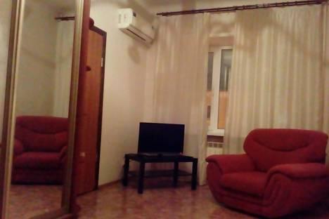 Сдается 2-комнатная квартира посуточно в Ульяновске, улица Карла Маркса, 26.