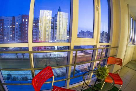 Сдается 1-комнатная квартира посуточно в Омске, улица Маршала Жукова, 101.