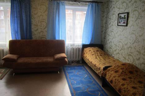 Сдается 1-комнатная квартира посуточно в Прокопьевске, Вокзальная улица, 35.  До киселевска 7 минут..