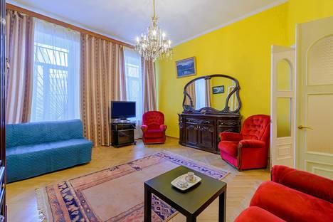 Сдается 2-комнатная квартира посуточно в Санкт-Петербурге, Итальянская улица, 29.