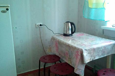 Сдается 1-комнатная квартира посуточно в Кировске, улица Олимпийская, 55.