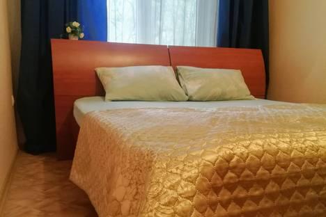 Сдается 2-комнатная квартира посуточно, Козловская улица, 9.
